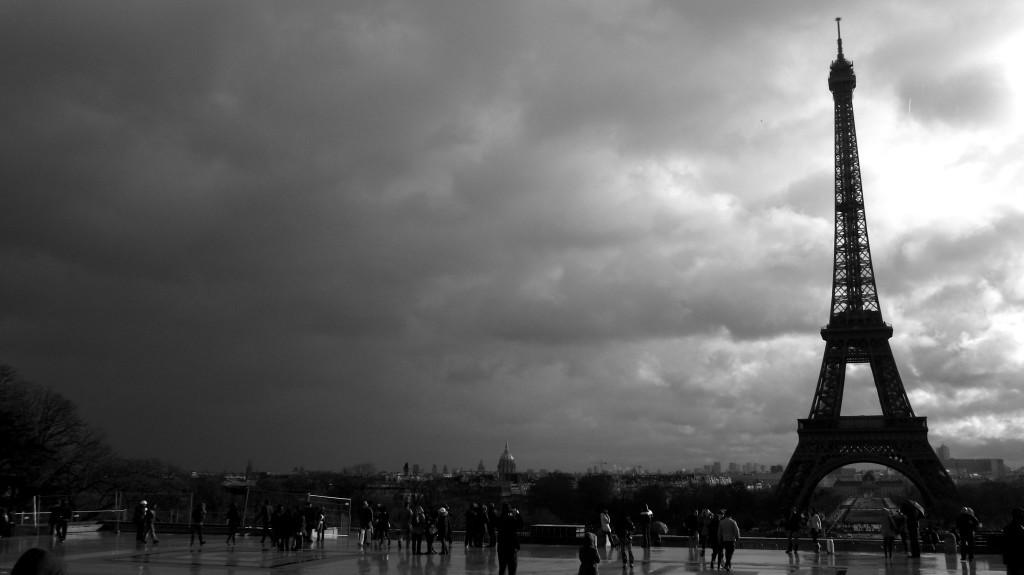 """Antiterrorismo: """"allarme in Francia a Parigi…"""""""