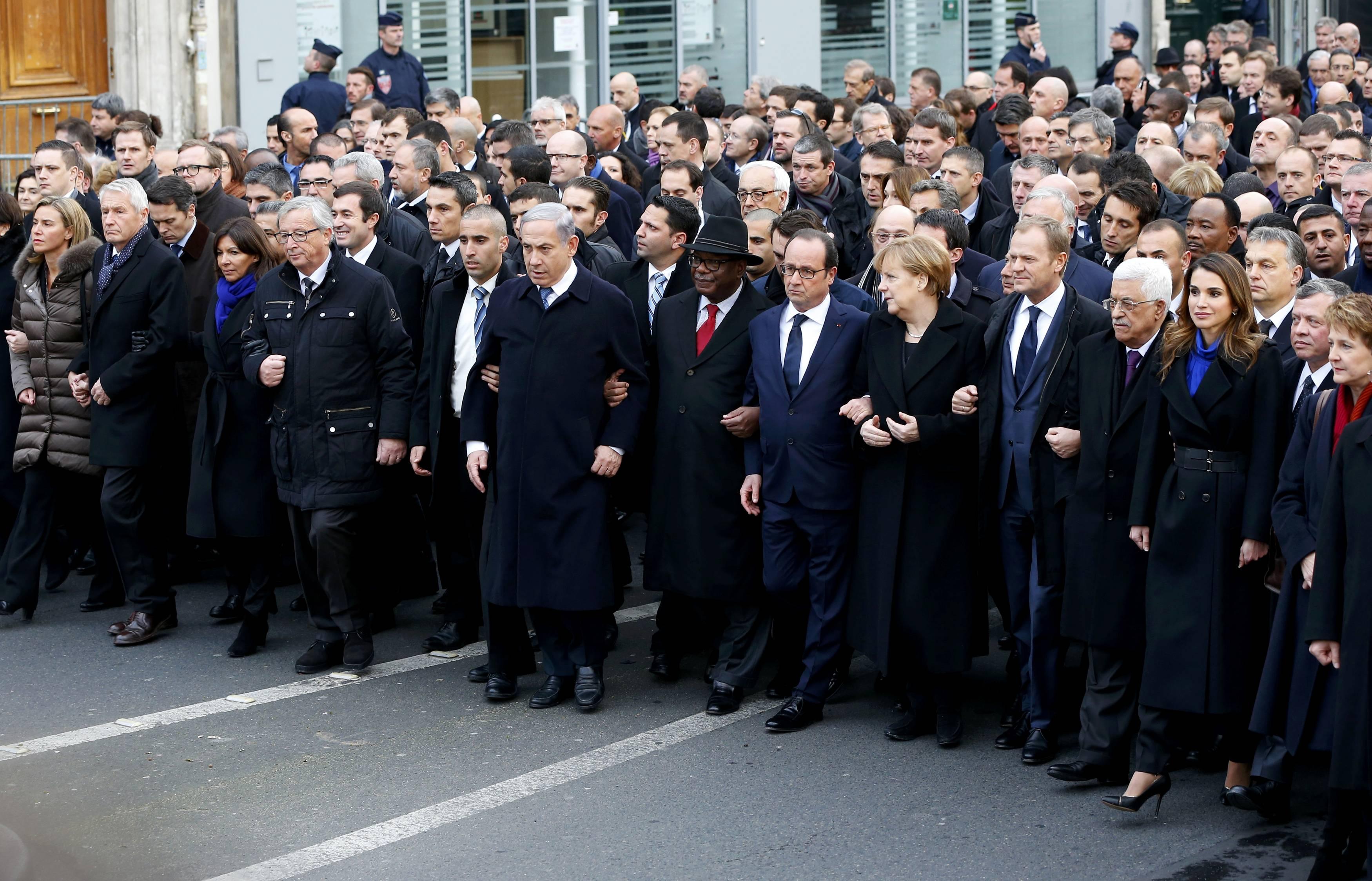 Parigi: mondo politico coram populo…